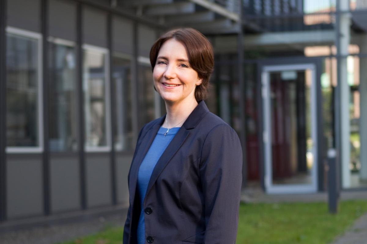Für ihre Forschung pendelt Prof. Dr. Kristina Lorenz zwischen Dortmund und Würzburg, wo sie das Institut für Pharmakologie und Toxikologie an der Julius- Maximilians-Universität leitet. © ISAS.