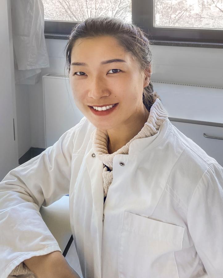 Pengyu Zhang nimmt für ihre Promotion an 'TICARDIO' teil. Für das ISAS arbeitet sie an Testverfahren, mit denen man das Tyrosin-Protein-Kinase Syk quantifizieren kann. © ISAS.